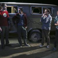 "Em ""The Big Bang Theory"": na 9ª temporada, Leonard (Johnny Galecki) planeja despedida de solteiro!"