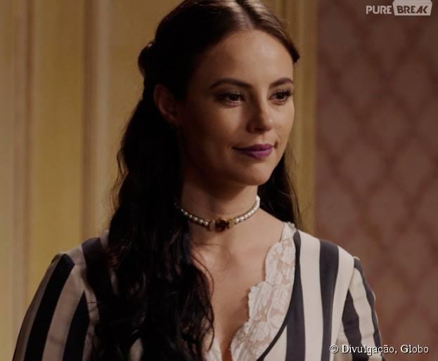 """Em """"Além do Tempo"""": Melissa (Paolla Oliveira) tira satisfações com Lívia (Alinne Moraes)"""
