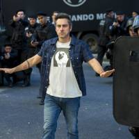 """Novela """"A Regra do Jogo"""": Romero (Alexandre Nero) desiste de ser bandido e sai da facção!"""