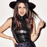 """Selena Gomez conta já ter questionado sua sexualidade: """"Eu acho que todo mundo faz isso!"""""""
