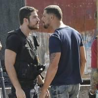 """Novela """"A Regra do Jogo"""": Juliano (Cauã Reymond) sequestra Dante e policial quase morre!"""