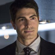 """Em """"Arrow"""": na 4ª temporada, Ray Palmer manda recado para Felicity e diz que está vivo!"""