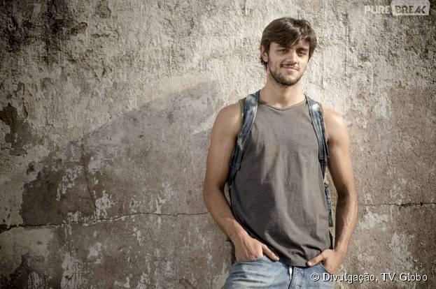 """Em """"Totalmente Demais"""", Felipe Simas será o """"empresário das ruas"""" Jonatas"""