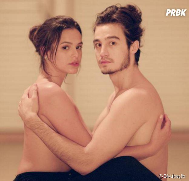 """Bruna Marquezine faz par romântico com Tiago Iorc em """"Eu Amei Te Ver"""""""