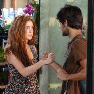 "Novela ""Totalmente Demais"": Jonatas (Felipe Simas) ensina Eliza a se virar nas ruas e vender flores"