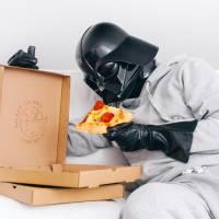 """De """"Star Wars"""": veja o que Darth Vader faz quando não está tentando dominar a galáxia"""