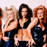 9 tendências dos anos 90 e 2000 que voltaram e estão com tudo entre os jovens!