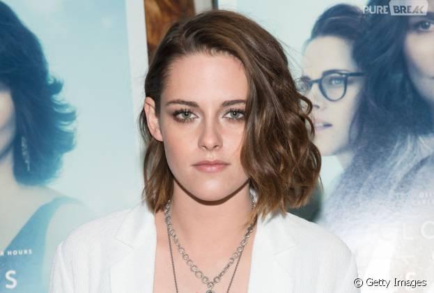 """Kristen Stewart é considerada a Melhor Atriz Coadjuvante, por seu trabalho em """"Acima das Nuvens"""", pelaSociedade Nacional de Críticos de Cinema dos EUA"""