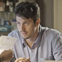 """Final """"Além do Tempo"""": Roberto descobre que não é pai de Alex e abre o jogo com Felipe!"""
