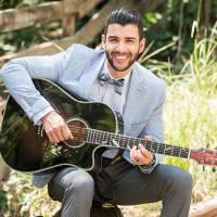 """Gusttavo Lima comemora single na trilha de """"Êta Mundo Bom"""" e clipe ao lado de Andressa Suita!"""