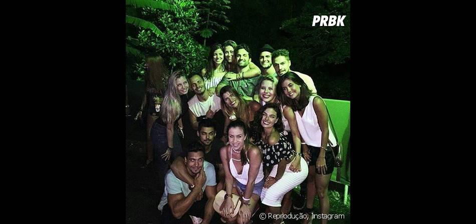 Isis Valverde e Bruno Gissoni curtiram noite com amigos em festa carioca