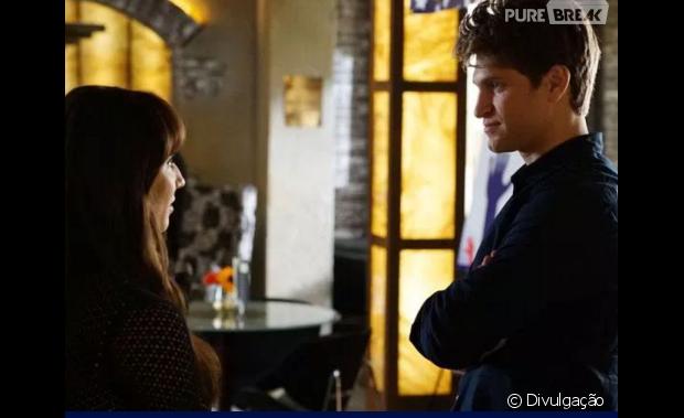 "Em ""Pretty Little Liars"", Spencer (Troian Bellisario) e Caleb (Tyler Blackburn) têm namoro aprovado pelos ex-namorados!"