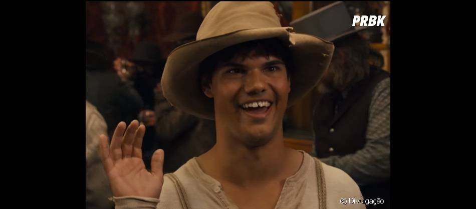 """O último filme que Taylor Lautner participou foi """"The Ridiculous 6"""", que estreou no finalzinho de 2015 e está disponível na Netflix!"""