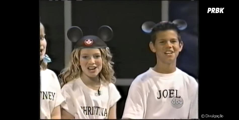 """Taylor Lautner está no elenco de """"The Nick & Jessica Variety Hour"""", ao lado de Jessica Simpson e Justin Timberlake, uma produção de 2004"""