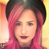 Demi lovato: Confira os estilos que dominam as unhas da diva pink e inspire-se!