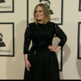 Adele foi outra que chegou causando na premiação e investiu em um pretinho nada básico para o Grammy