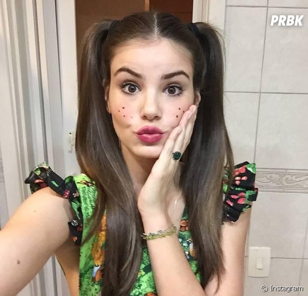 """Camila Queiroz, de """"Êta Mundo Bom"""", é uma das pessoas mais fofas e lindas do Instagram"""