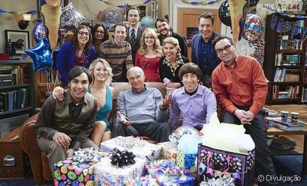 """Em """"The Big Bang Theory"""": Sheldon (Jim Parsons) comemora aniversário com convidados especiais!"""