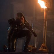 """Em """"Legends of Tomorrow"""": na 1ª temporada, Oliver, de """"Arrow"""", e Connor Hawke na Star City do futuro"""