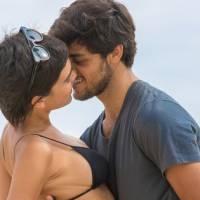 """Novela """"Totalmente Demais"""": Jonatas (Felipe Simas) e Leila transam pela primeira vez!"""