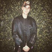 Justin Bieber comemora aniversário com festinha cheia de famosos e ganha jaqueta de presente!