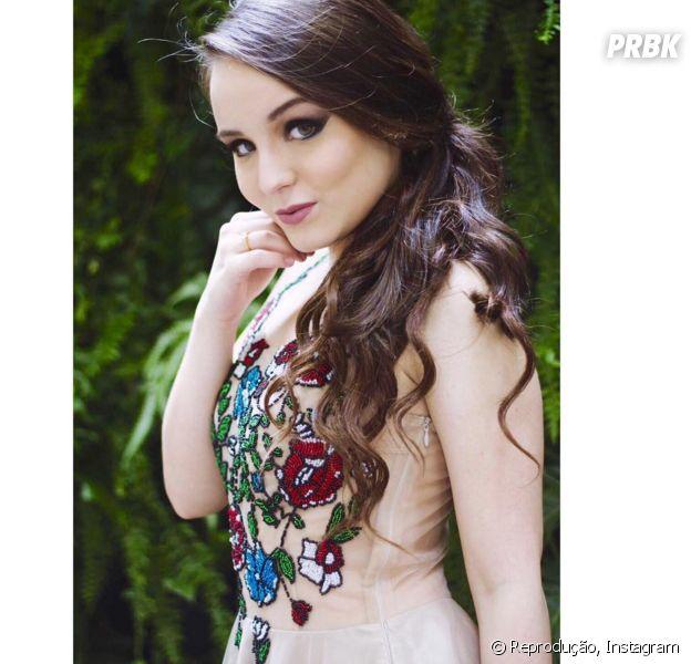 Larissa Manoela relembra festa de 15 anos no Instagram