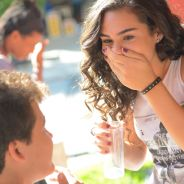 """Novela """"Malhação"""": após Uodson (Lucas Lucco) e Alina, Artur pede mão de Julia em casamento!"""