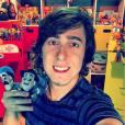 """Felipe Castanhari, do canal """"Nostalgia"""", no Youtube, conta que infância foi muito divertida"""