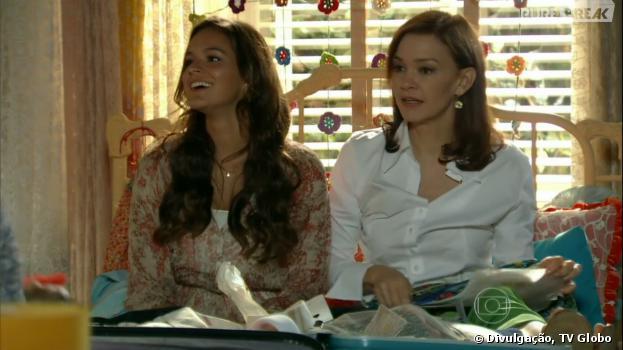"""Na novela """"Em Família"""", Luiza (Bruna Marquezine) e Helena (Julia Lemmertz) discutirão por causa de Laerte (Gabriel Braga Nunes)"""