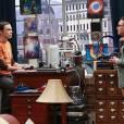 """Sheldon (Jim Parsons) não gostará nadinha da decisão de Leonard (Johnny Galecki) em """"The Big Bang Theory"""""""