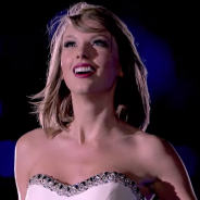"Taylor Swift disponibiliza clipe de ""New Romantics"" no Youtube! Assista agora"