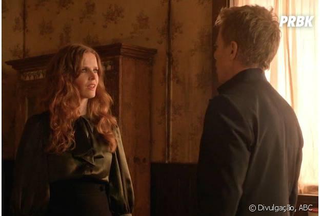 """Em """"Once Upon A Time"""": na 5ª temporada, Zelena (Rebecca Mader)e Hades (Greg Germann)têm encontro romântico"""