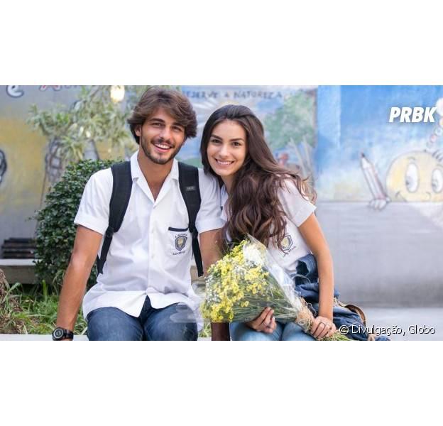 """Em """"Malhação"""": Luciana (Marina Moschen) e Roger (Brenno Leone) começam a namorar para provocar Rodrigo (Nicolas Prattes)!"""