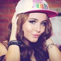 Larissa Manoela se inspira em Justin Bieber, Selena Gomez e Ariana Grande para carreira no exterior