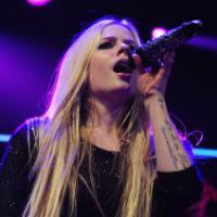 Avril Lavigne finalmente divulga 3 shows no Brasil em sua conta do Twitter