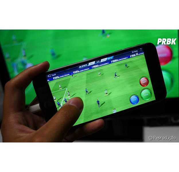 """""""FIFA 2016"""", """"Top Eleven Manager de Futebol"""" e mais jogos de futebol pra você bater uma bolinha no smartphone!"""