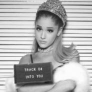 """Ariana Grande divulga apresentação de """"Into You"""" ao vivo na VEVO Presents! Confira:"""