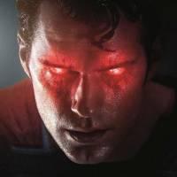 """De """"Batman Vs Superman"""": Ben Affleck e Henry Cavill aparecem ameaçadores em cartazes descartados!"""