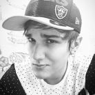 """Christian Figueiredo, do canal """"Eu Fico Loko"""", faz aniversário de 22 anos e fãs comemoram no Twitter"""