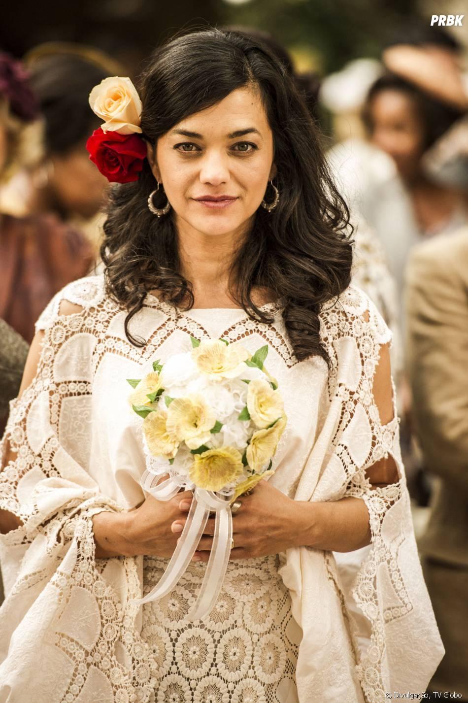 Ana Cecília Costa Atriz gaia (ana cecília costa) com o lindo vestido inspirado nas