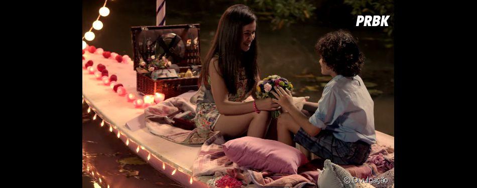 """Em """"Carrossel - O Filme"""" também tem lugar pra romance de Valéria (Maísa Silva) e Davi (Guilherme Seta)"""
