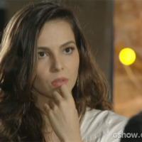 """Te contei? Na novela """"Em Família"""", Cadu chama Marina para """"papo reto""""!"""