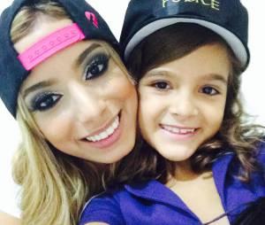 Mel Maia e Anitta, ainda loira, no Instagram!