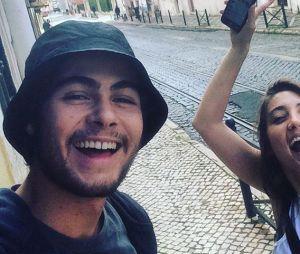 """Rafael Vitti foi ao show do Luan Santana como laboratório para a novela """"Rock Story"""", por isso não levou a namorada Julia Oristanio"""