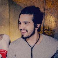 """Luan Santana ajuda Rafael Vitti na preparação para """"Rock Story"""", a nova novela das 19h!"""