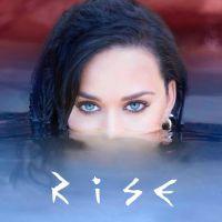 """Katy Perry surpreende fãs e anuncia data de lançamento do clipe """"Rise"""" com direito a teaser inédito"""
