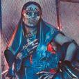 """Rihanna na W Magazine: dona do hit """"Work"""" aparece em ensaio futurístico"""