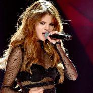 """Selena Gomez ajuda fã a se assumir gay para os pais durante encontro na """"Revival Tour""""!"""