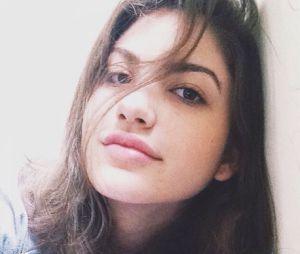 Mesmo sem make, Giovanna Grigio tem uma beleza de colocar inveja!