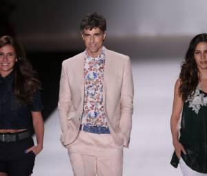 """O trio de """"Em Família"""", Giovanna Antonelli, Reynaldo Gianecchini e Tainá Müller foram os destaques do desfile da TNG no Fashion Rio"""